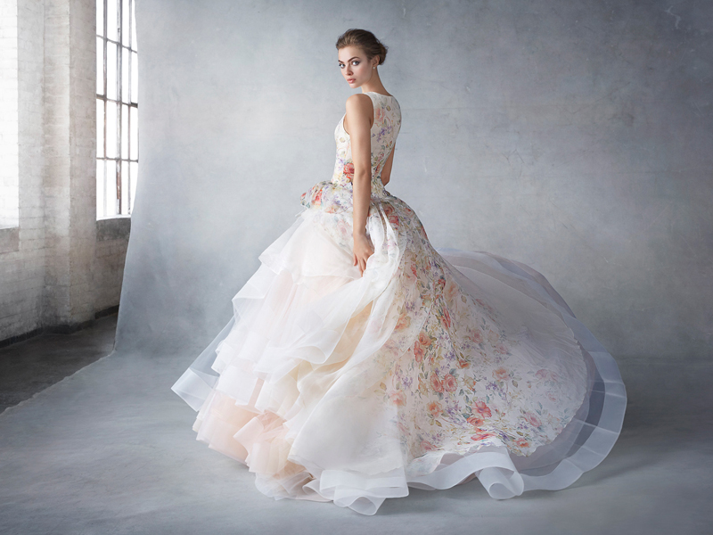 beautiful layer wedding gown