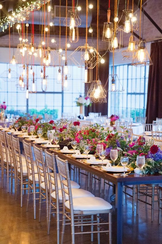 beautiful lights for vintage wedding