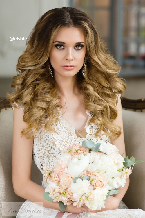 charming long curly wedding hairstyle