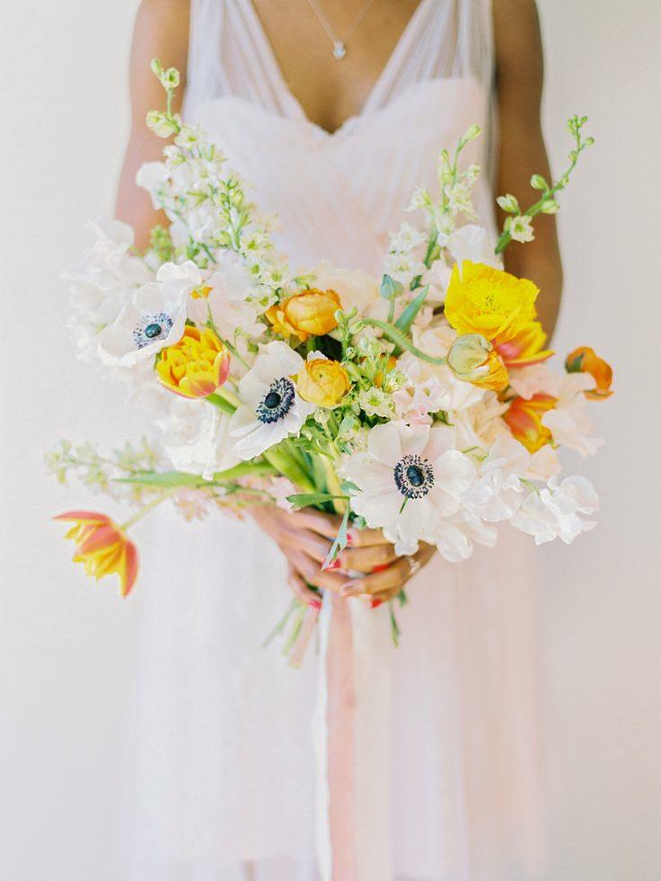 chic white and yellow bouquet