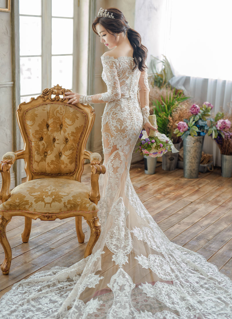 classic mermaid wedding gown