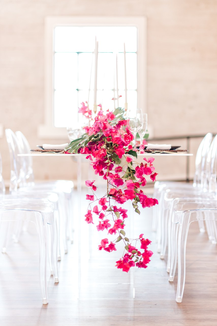 clear-based table and ghost chair for table set wedding