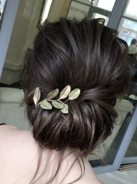 elegant hairbun hairstyle