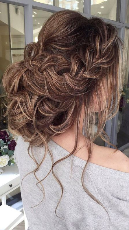 gorgeous elegant hair bun style