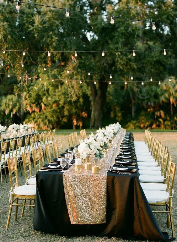simple vintage wedding with sparkling lights