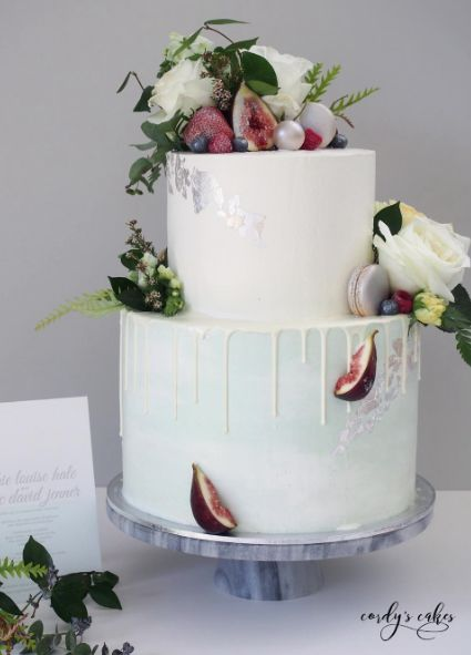 simple white small wedding cakes