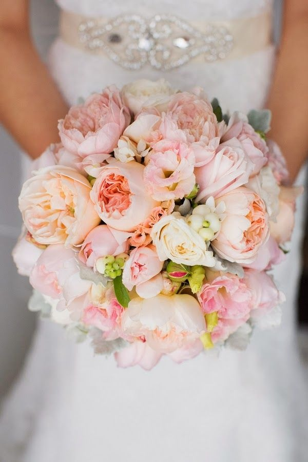 soft pink wedding bouquets ideas