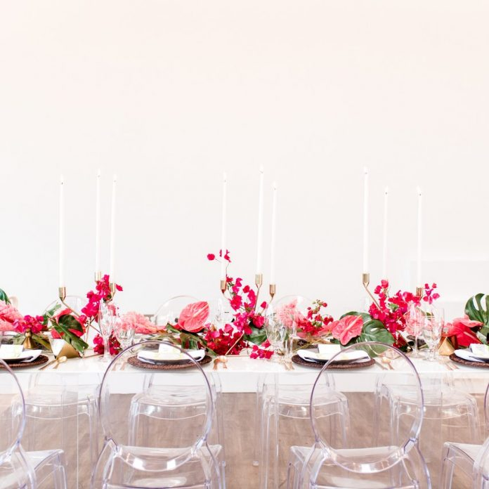 trending table garland for wedding