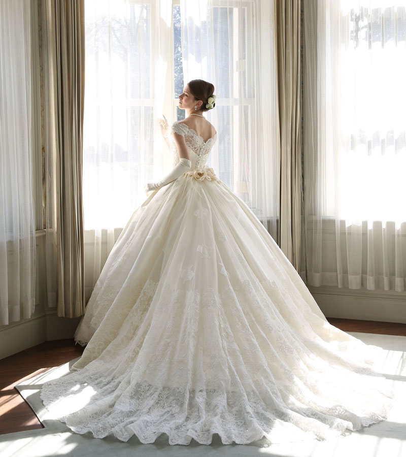 classic waist ball wedding gown