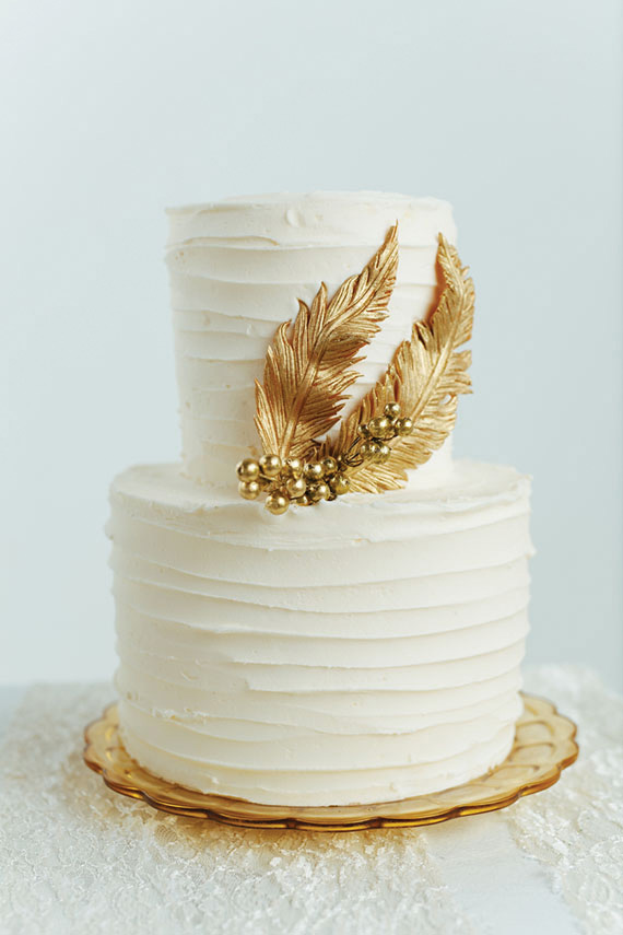 gold feather cake design
