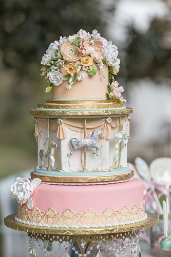 marry go round wedding cake ideas